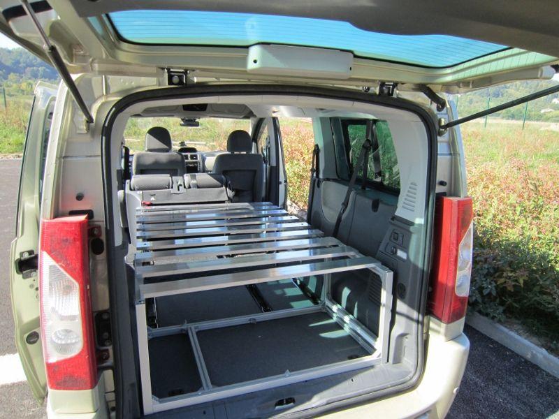 endormi nu 02 800 600 pixels kangoo camping car powa pinterest. Black Bedroom Furniture Sets. Home Design Ideas