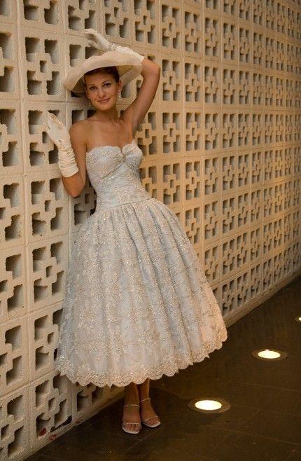 Full skirt lace tea length vintage wedding dress