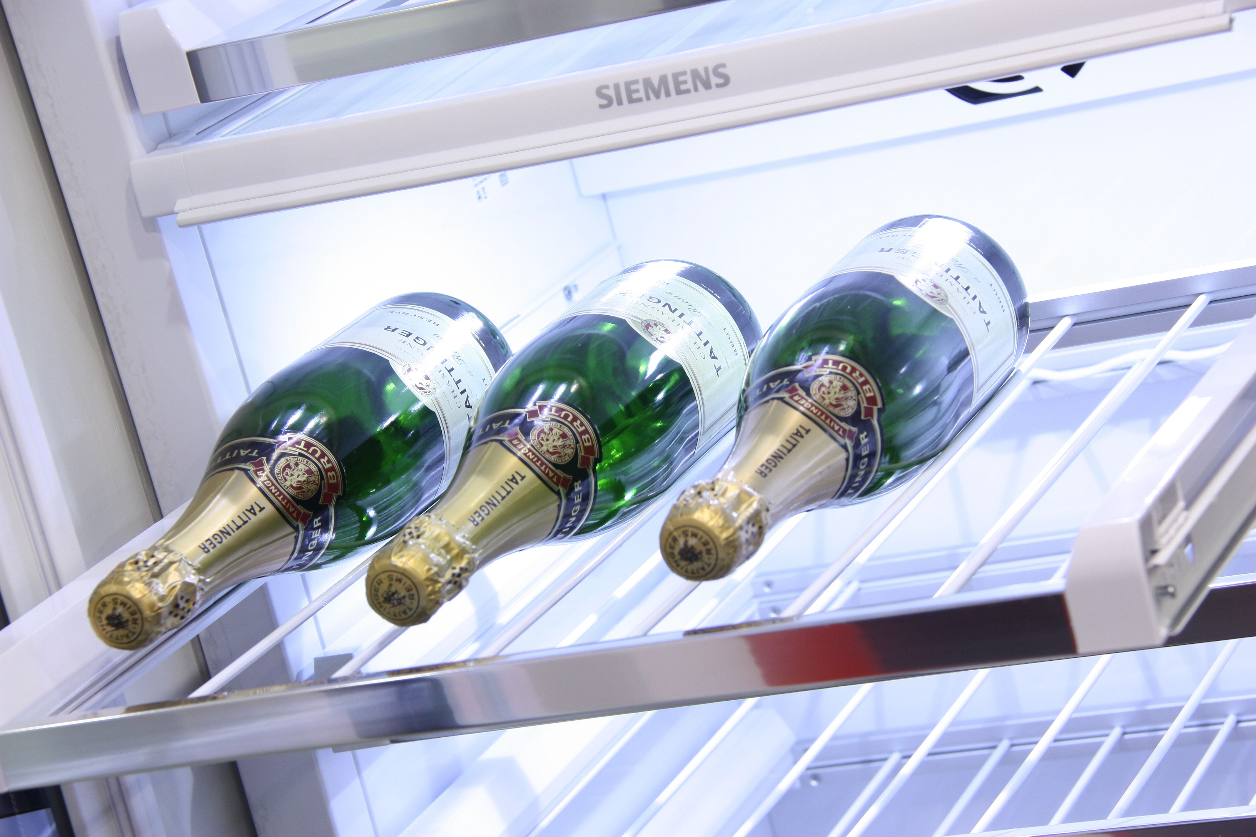 Siemens built-in refrigeration on display @spillersofchard now with 20% off.  Siemens Fridge Freezers and Wine storage on display at Spillers.  Complete Your Dream Kitchen today at Spillers of Chard the UK's Premier Kitchen Destination