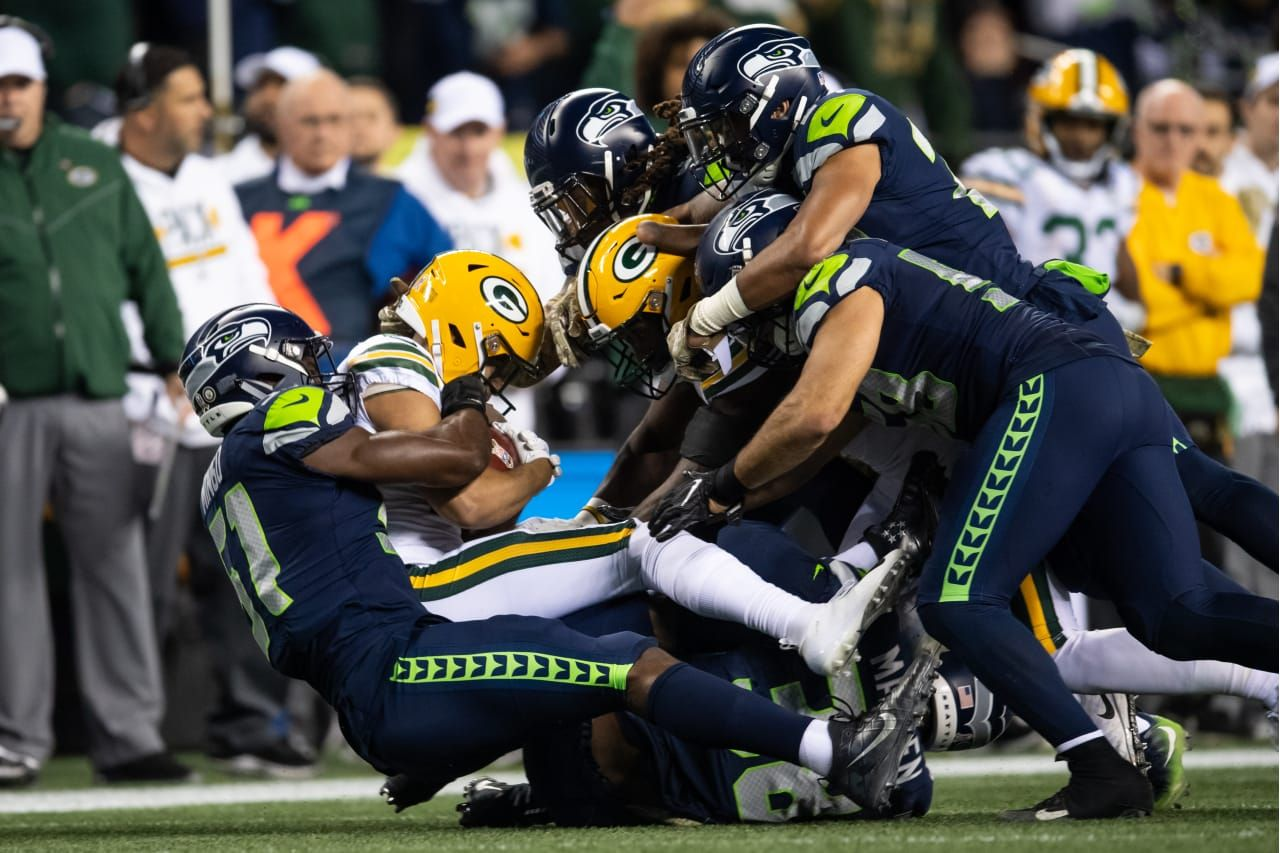 Pin By Modesty On Green Bay And Seattle Nfl Seahawks Nfl Seattle Seattle Seahawks