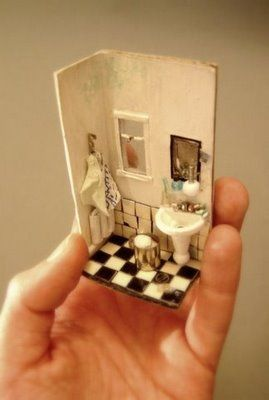 very cute. so, basically, any tiny space can be an awesome miniature display. LOVE.
