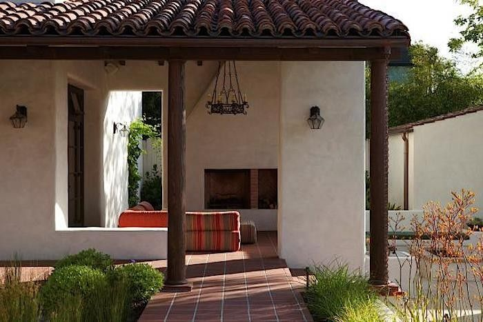 Hardscaping 101 Clay Roof Tiles Gardenista Adobe House Architecture Modern Architecture