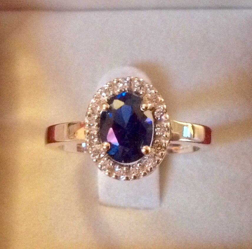 9ct yellow gold with sapphire and diamonds
