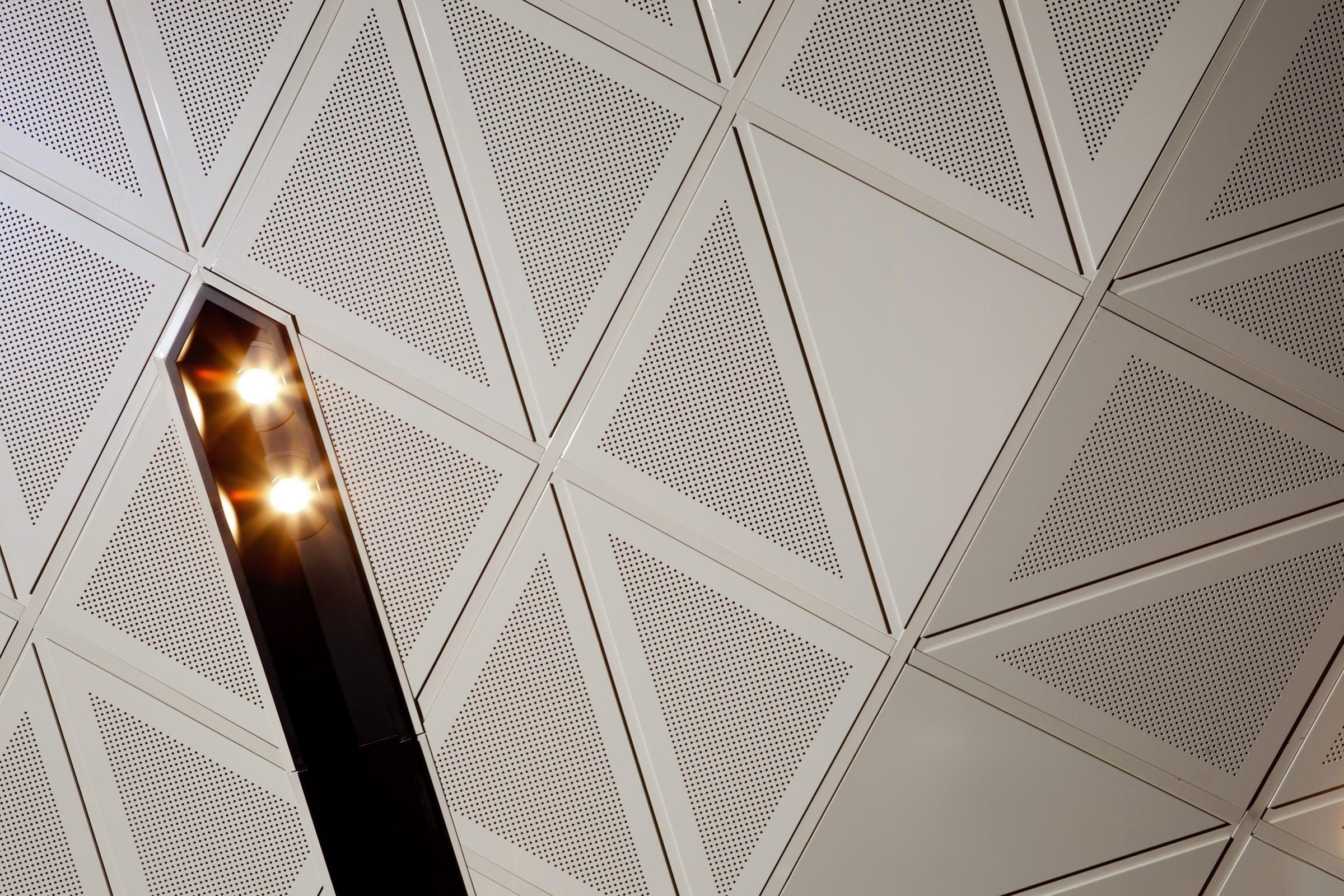 Au Ditile Atkar Carreaux De Plafond Plafond Bois Plafond