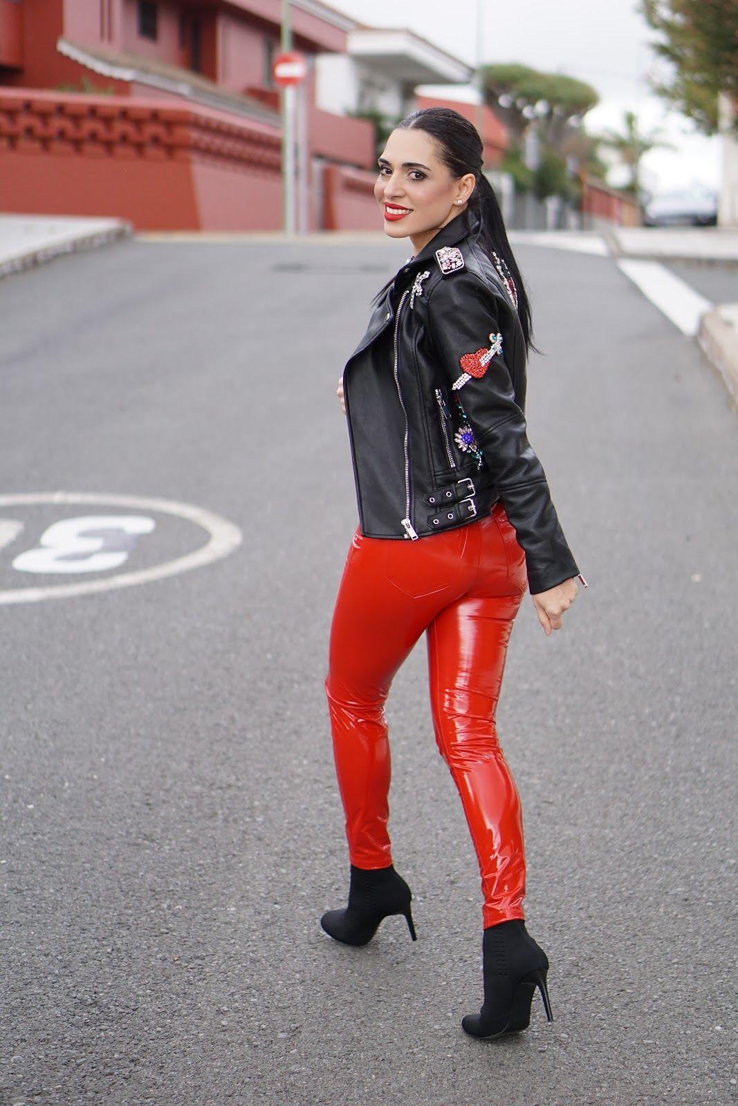 43c92e5708397 Shiny Leggings, Leggings Are Not Pants, Latex Fashion, Fashion Tights,  Girls Heels