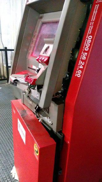 Blog do Oge: Homens explodem caixa eletrônico em estação do met...