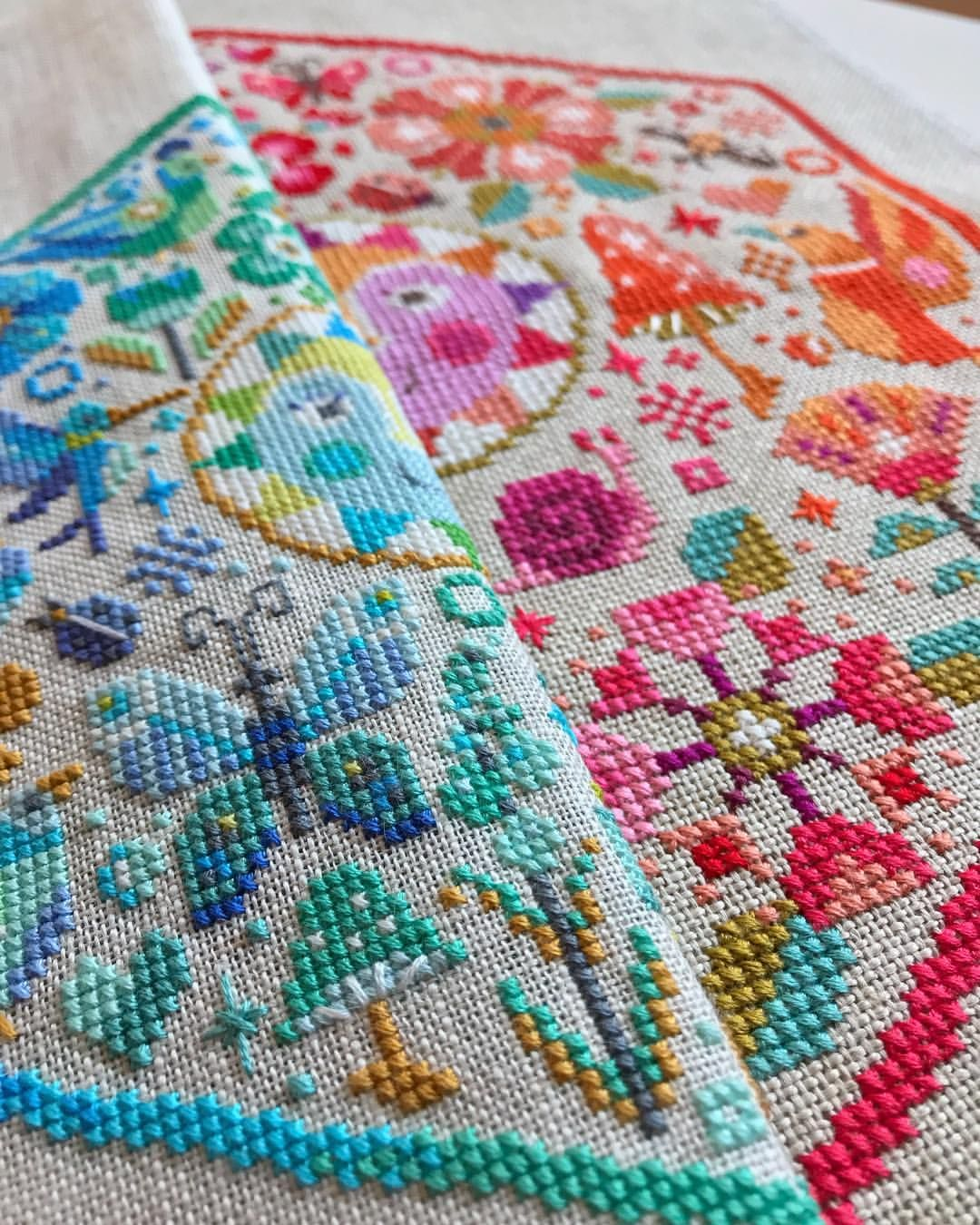 Same Chart Two Thread Counts The Left One Is Stitched On 28 Ct Linen Over Two The Righ Modern Cross Stitch Modern Cross Stitch Patterns Cross Stitch Designs