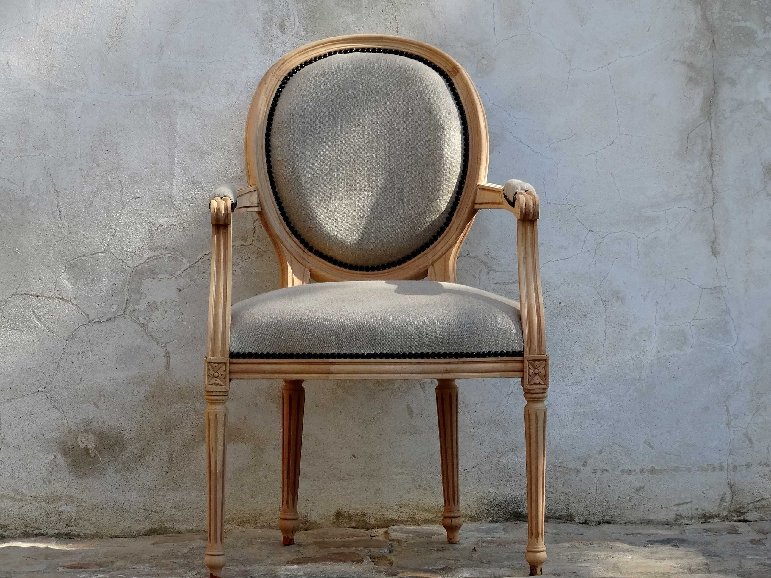 fauteuil m daillon louis xvi personnalis lin naturel cloutage tapissier 254 d co. Black Bedroom Furniture Sets. Home Design Ideas