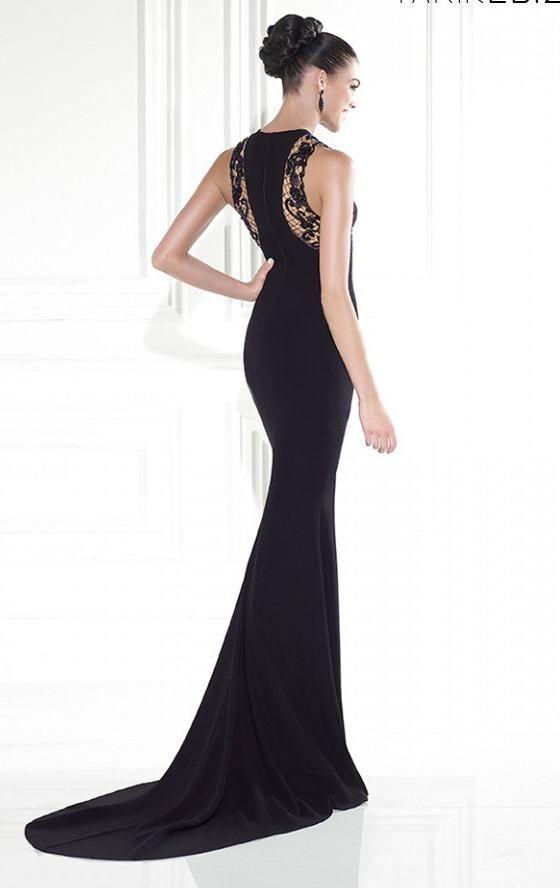 2a8c6828f Patrón gratis  vestido largo con corte sirena. Para imitar el modelo de Tarik  Ediz.