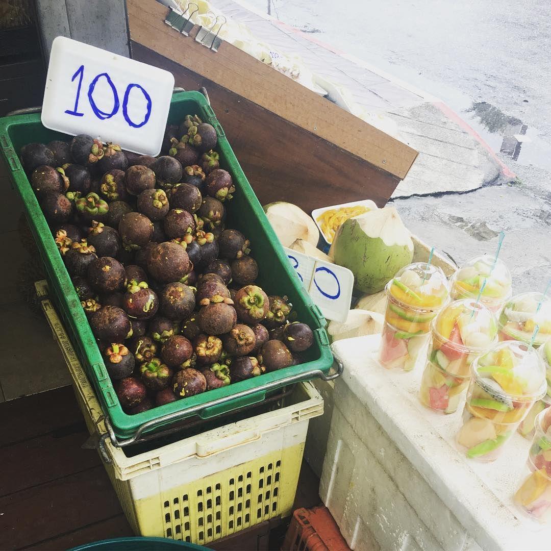 이기쁨 on Instagram: #푸켓#과일#망고스틴#망고#두리안#용과#먹방#먹스타그램#길거리음식#쌍만두야#데일리#푸드#food#인스타그램#좋아요#휴식#여행#여행스타그램 과일맛에 눈을 뜨다  진짜 짱