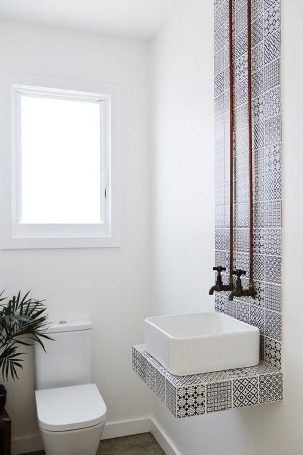 intérieur-salle-de-bain-blanche-avec-des-motifs-orientauxjpg (600