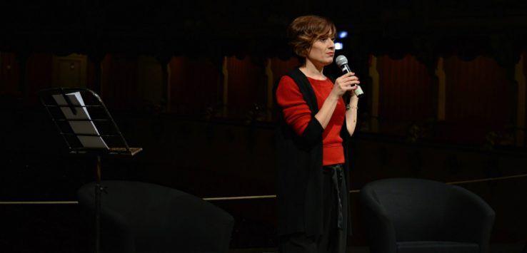 Al teatro Morlacchi cinque incontri con Carla Di Donato per un progetto che porta lo spettatore ad avvicinarsi al teatro danza in modo consapevole e partecipante