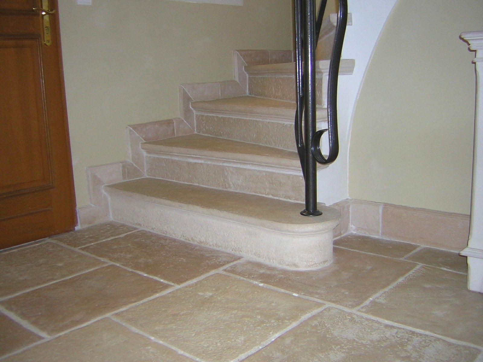 Habillage Escalier En Pierre Reconstituee Marches Et Contremarches Escalier Abbatiales Fabrication Habillage Escalier Escalier En Pierre Pierre Reconstituee