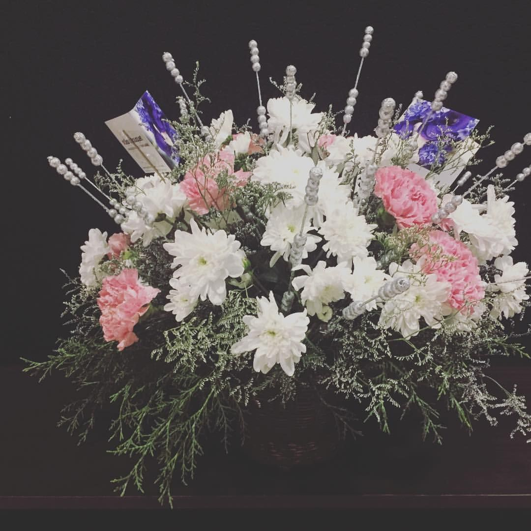 White Chrysanthemums And Carnations Delivered To Icici Bank In
