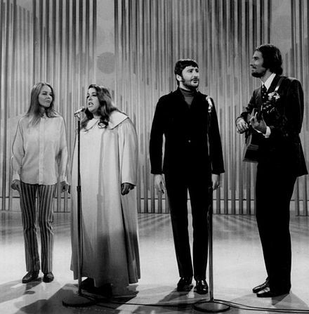 The Mamas and the Papas on the Ed Sullivan Show. 1968