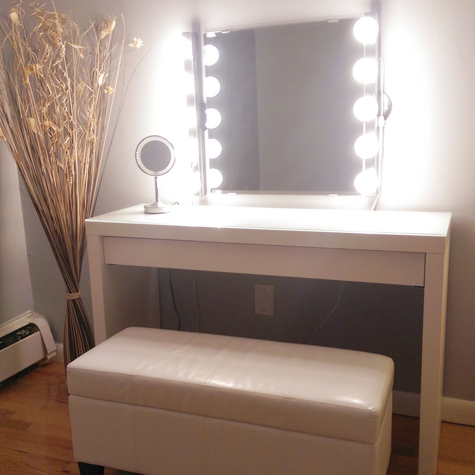 love the bench, wall mirror is Kolja mirror from Ikea, lights are