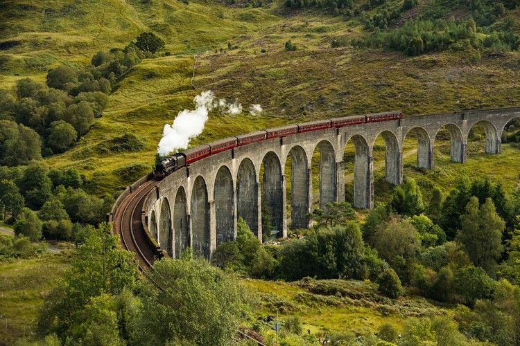 Top 10 Harry Potter Experiences In The World Lonely Planet In 2020 Harry Potter Experience Viewing Wildlife Hogwarts Express