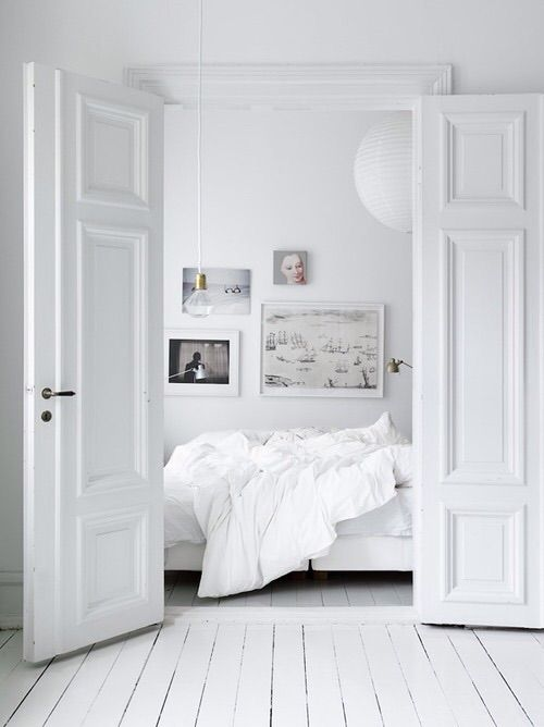 Kuva: We Heart It #bed #clean #design #minimalist #place #room #simple