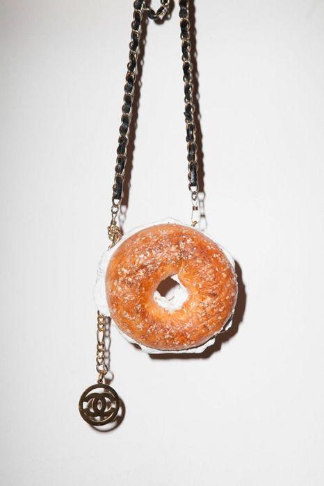 Еда+мода: мы выбрали самые невероятные проекты нового направления foodfashion New trend in fashion – food fashion #avantgarde #inspiration #fashion #McQueen #Saint Laurent #Chanel #Etro