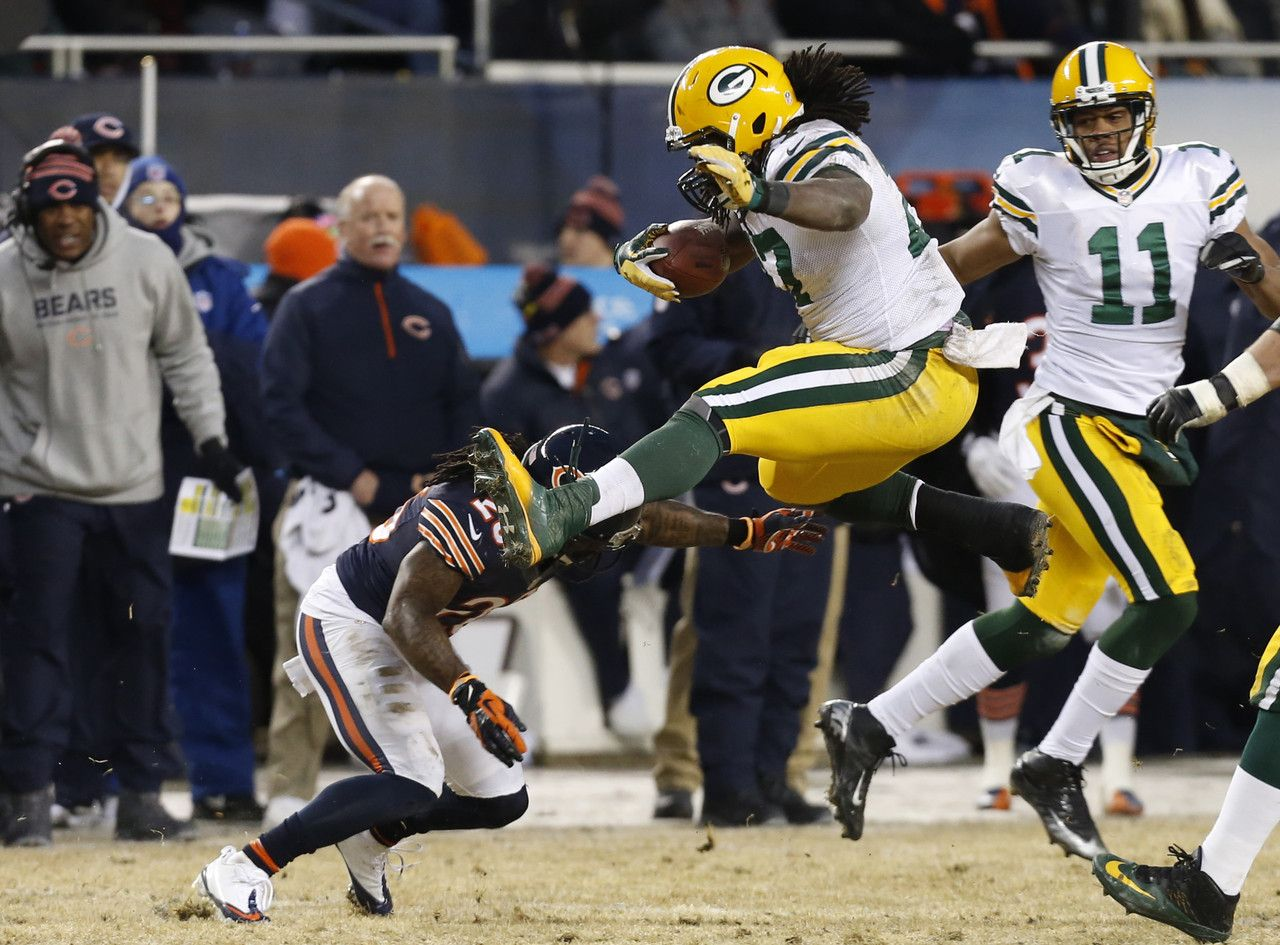 12 29 13 Green Bay Packer Eddie Lacy Against Chicago Bears Green Bay Won 33 28 Good Game As Usual Eddie Green Bay Green Bay Packers Packers