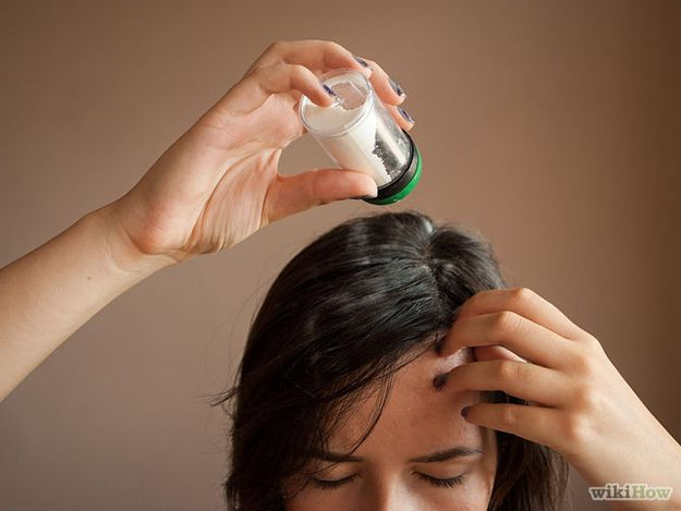 Apply Dry Shampoo The Night Before Hair Hacks Dry Shampoo Using Dry Shampoo