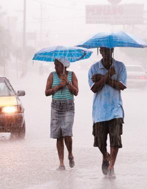 Bajo alerta en República Dominicana por aumento de lluvias....