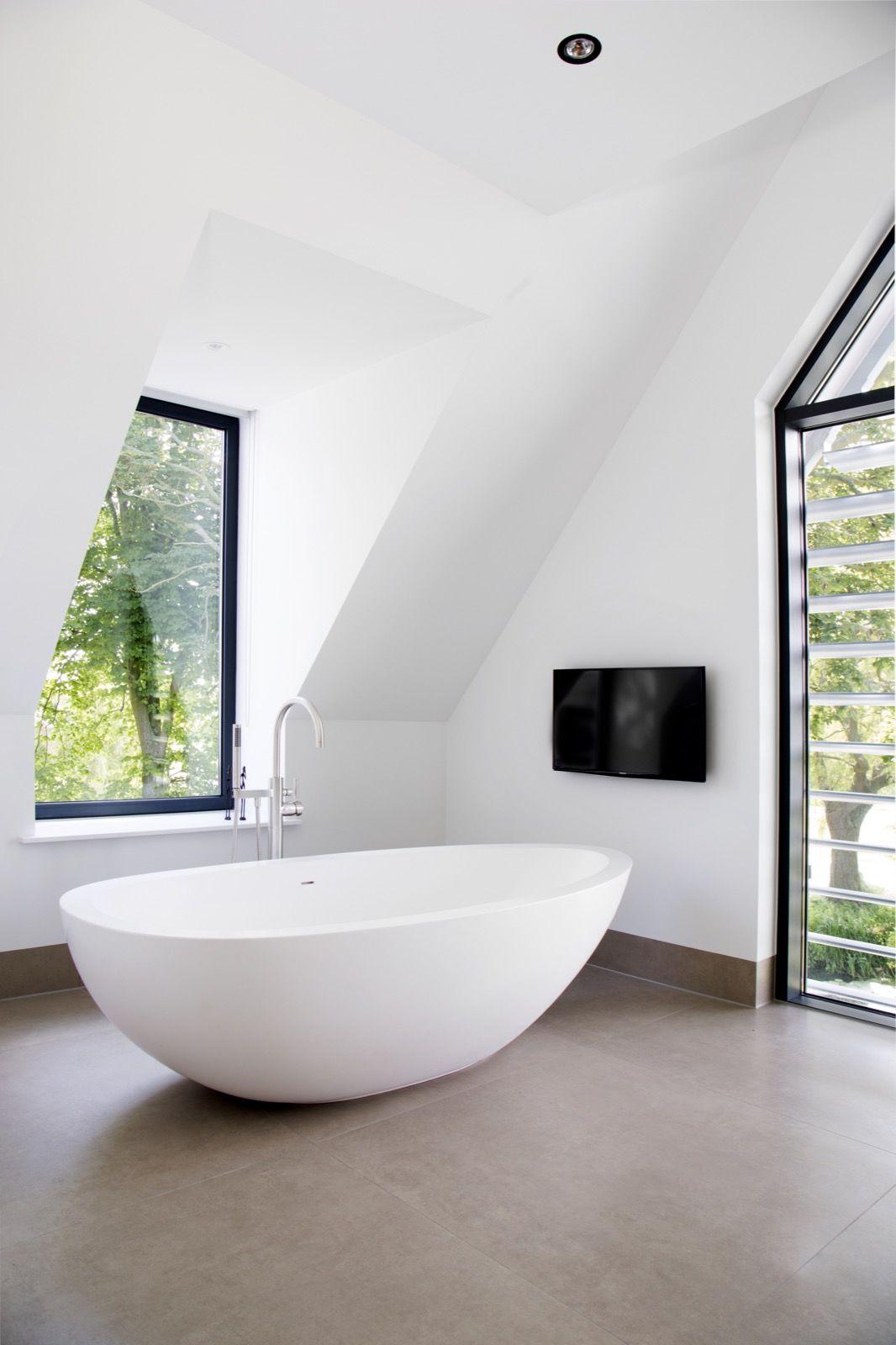 Moderne villa met wellness Design badkamer, Badkamer