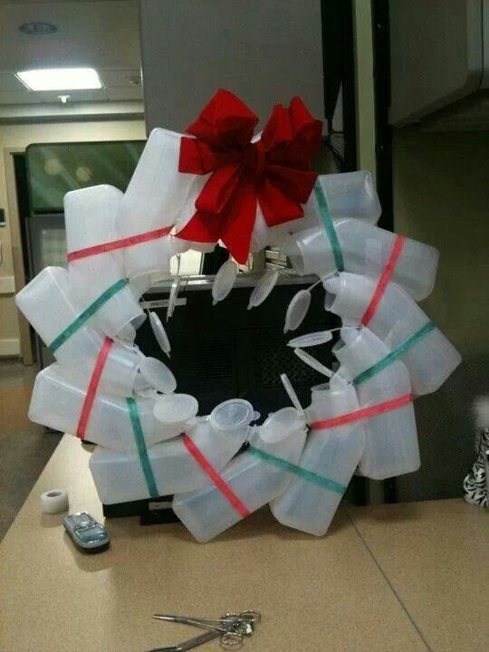 Christmas Cheer In The Hospital With Urinal Wreath P Christmas