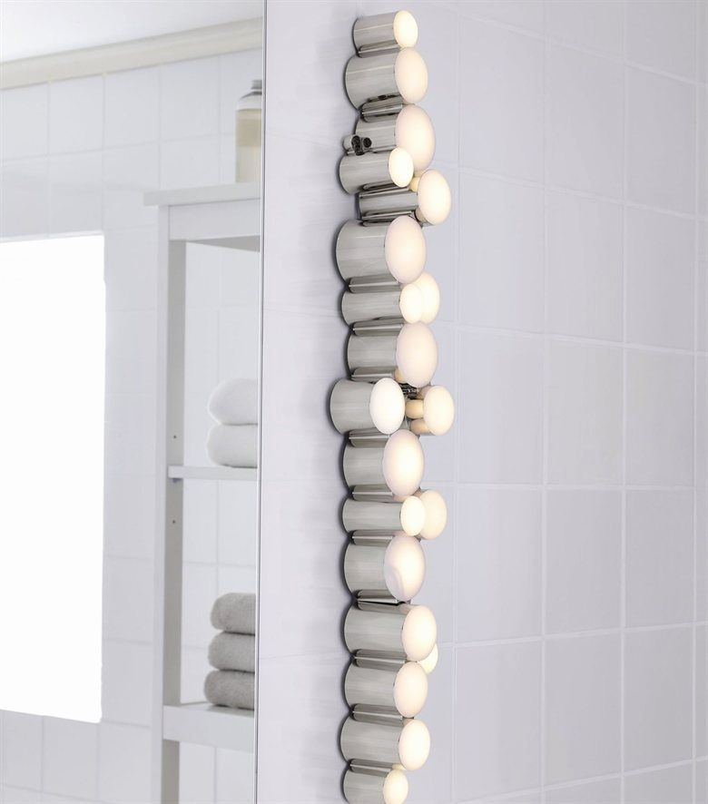 Moderne LED Wandleuchte 1 flammig chromfarbiges Metall Badezimmer