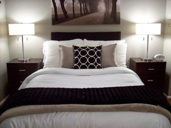 brown and white bedroom and White bedroom 600x450 10 Trend of