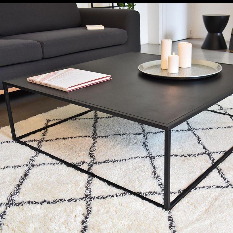 table basse carree en metal noir mat