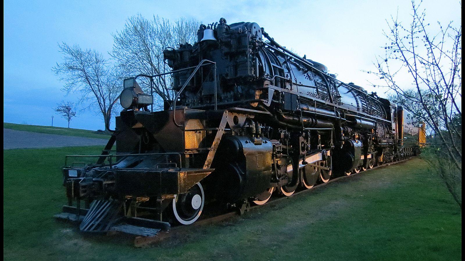 "https://flic.kr/p/ntQigL   Yellowstone Steam Locomotive DM&IR 225   The Yellowstone steam train on display in Proctor, Minnesota.  For a video:  <a href=""https://www.youtube.com/watch?v=twKPNgcHCVM"" rel=""nofollow"">www.youtube.com/watch?v=twKPNgcHCVM</a>"