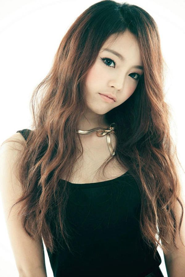Korean girl long hairstyle korean wave hair style korean style crazy medium haircuts medium haircuts hair cuts for girls winobraniefo Gallery