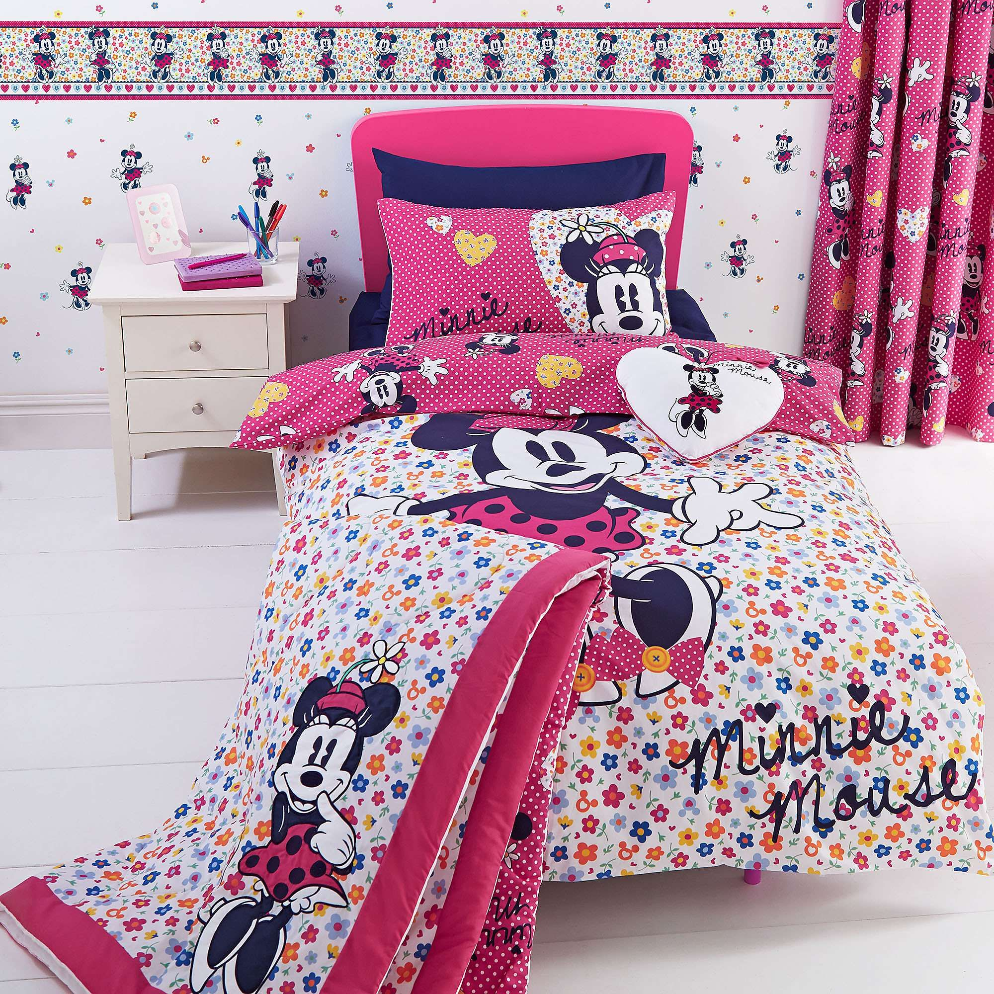 Exclusive To Dunelm, This Duvet Cover Set Features A Minnie
