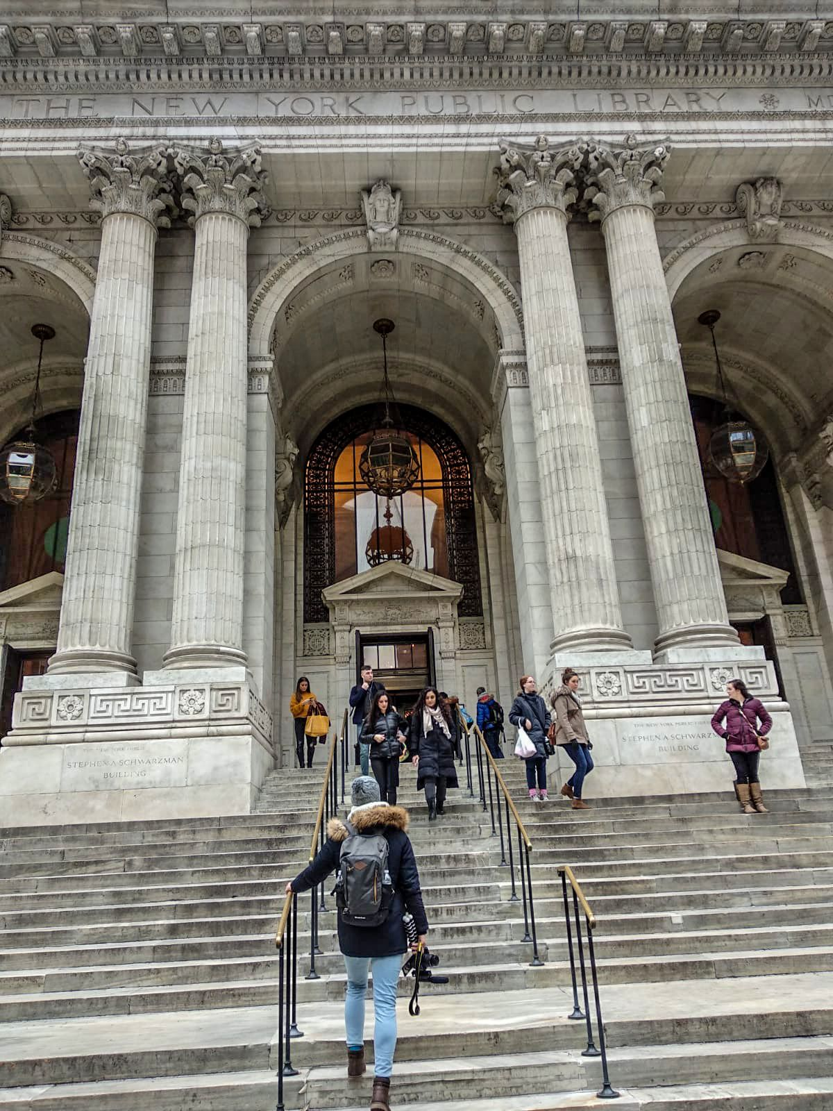 Biblioteca Pública de Nueva York, Ruta andando por Manhattan
