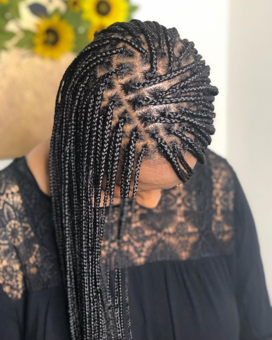 Ps Small Long Knotless Box Braids Benefits Super Lightweight Versatile Matches Hair Density Looks L Hair Styles Braided Hairstyles Easy Small Box Braids