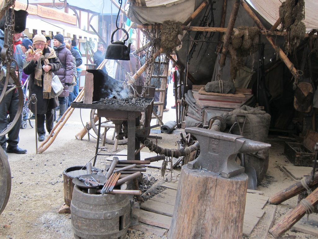 medieval metal worker stall - Google Search | Gore book | Pinterest ...