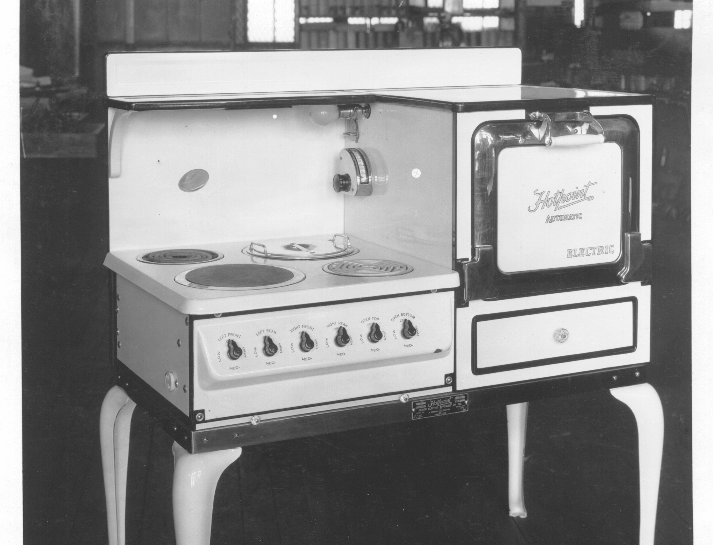 Hotpoint white range. #appliances   Back in the day   Pinterest ...
