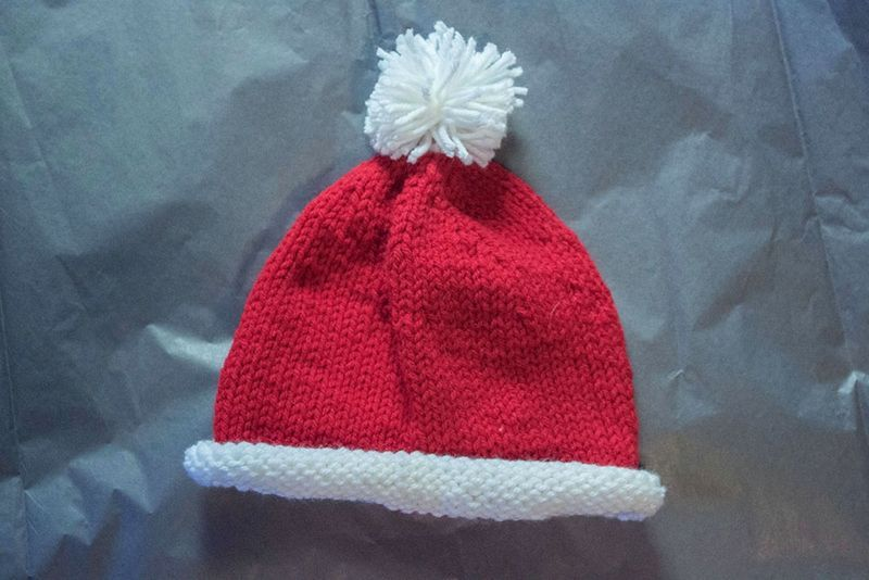 Knit this baby Santa hat! (Free pattern) | christmas / winter ...