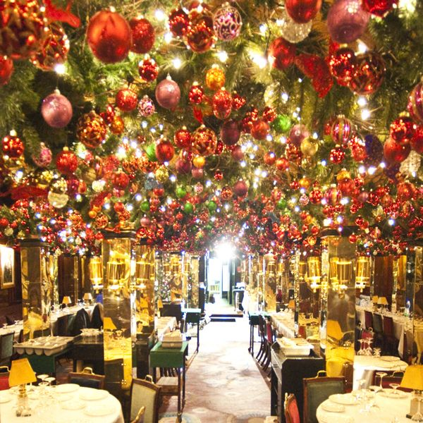 Christmas At Annabel S Club London Jane Wadham Flowers London Christmas London Clubs Holiday Decor