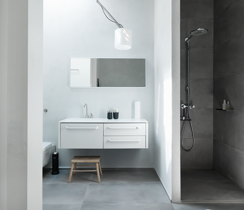 Vipp Bath Module Medium Sink Left Vipp Online Shop Bathrooms Concrete Bathroom Minimalist Bathroom All White Bathroom