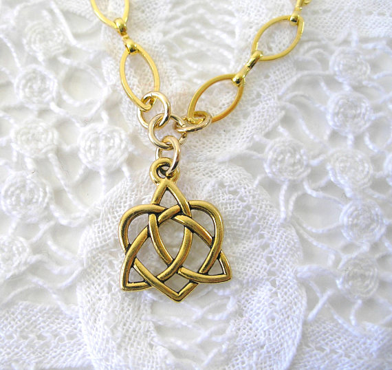 Gold Celtic Heart Love Knot IRISH Triquetra Necklace Gold Irish