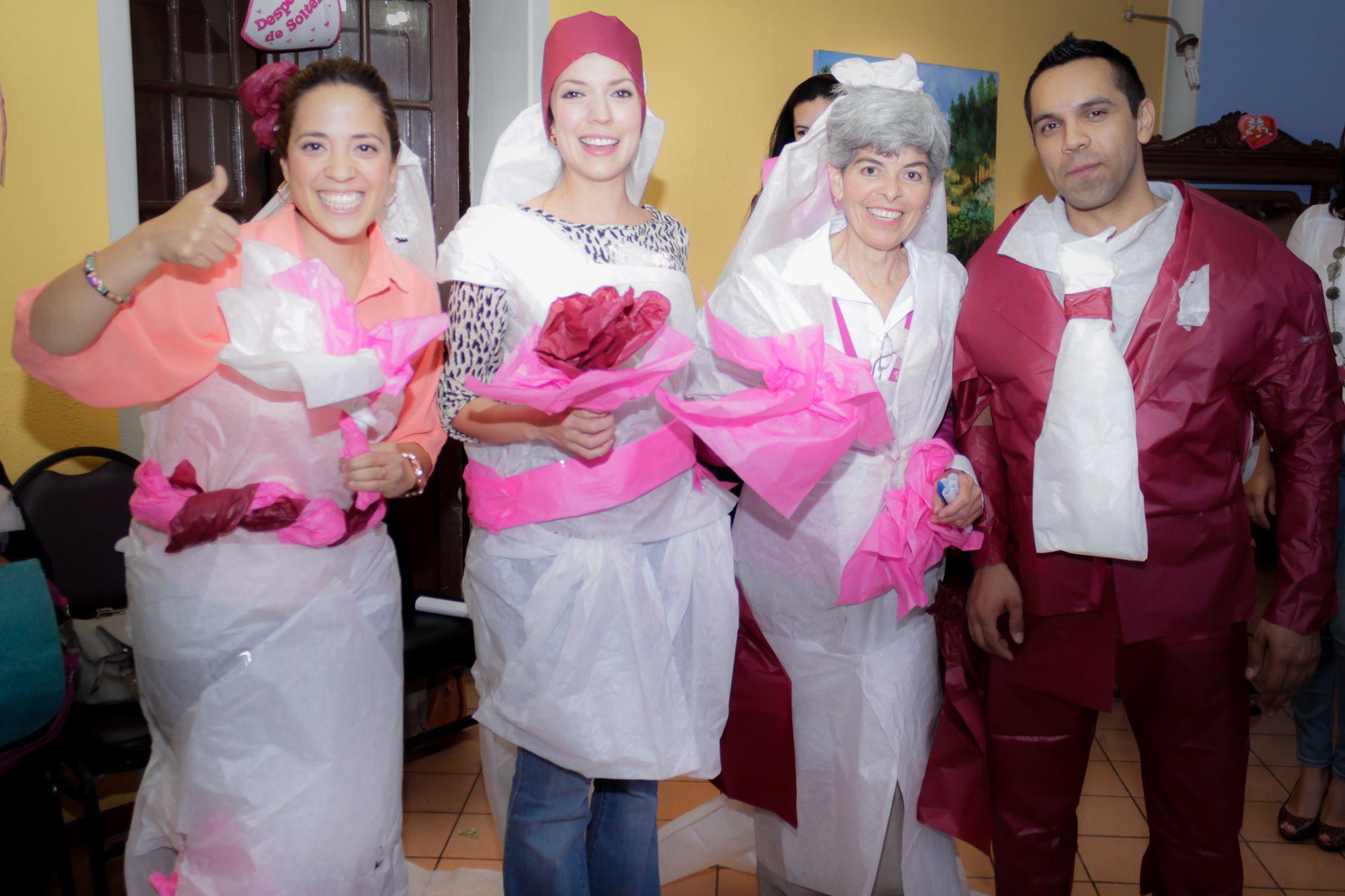 Juegos de disfraz de novia, despedida de soltera de Claudia en ...