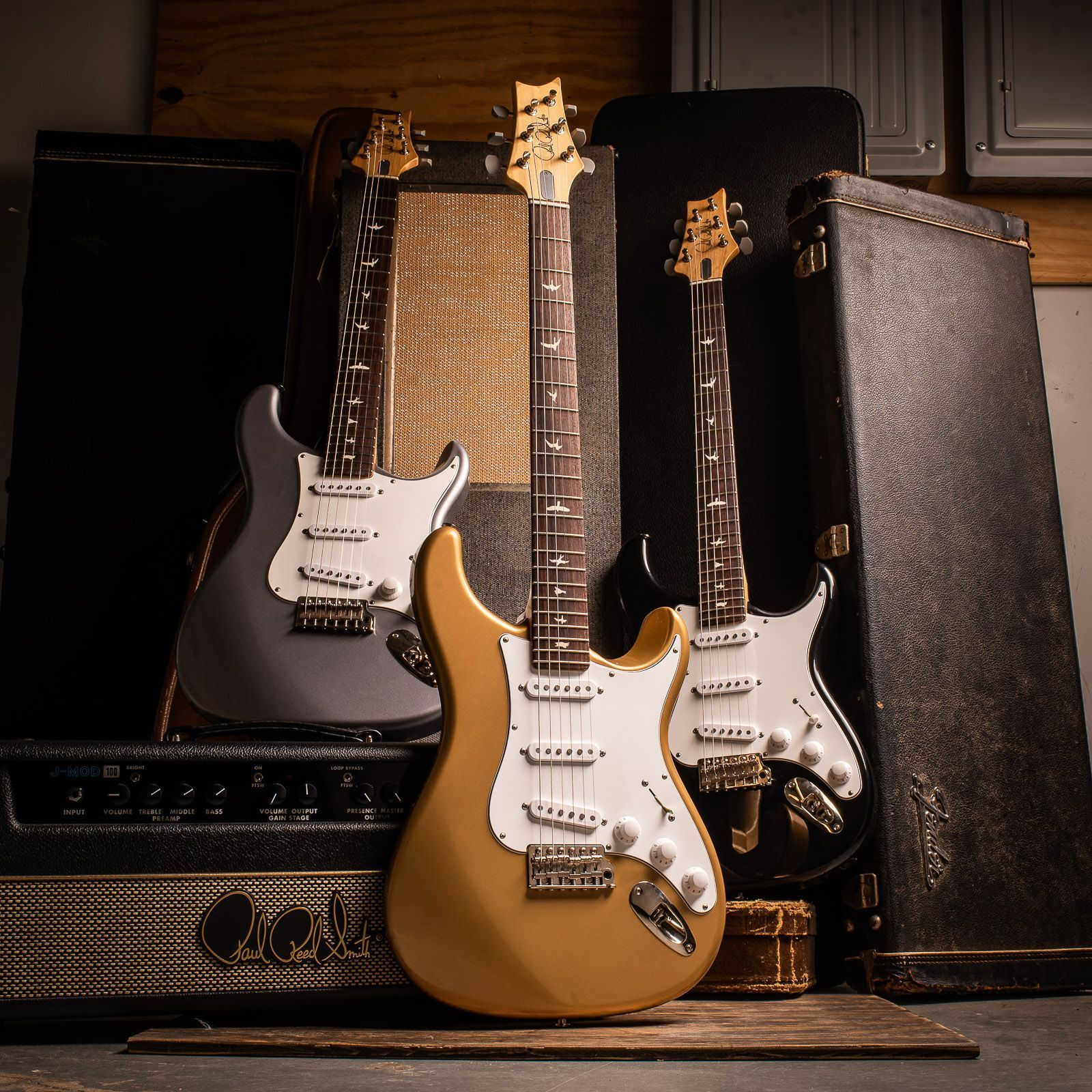 The New Prs Collaboration With John Mayer The Silver Sky Comes In A Lot More Finishes Than Just Silver Chicagomusi In 2020 Prs Guitar John Mayer Guitar Photography