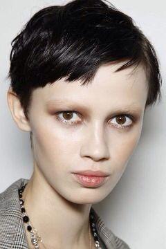 Nude eyebrows