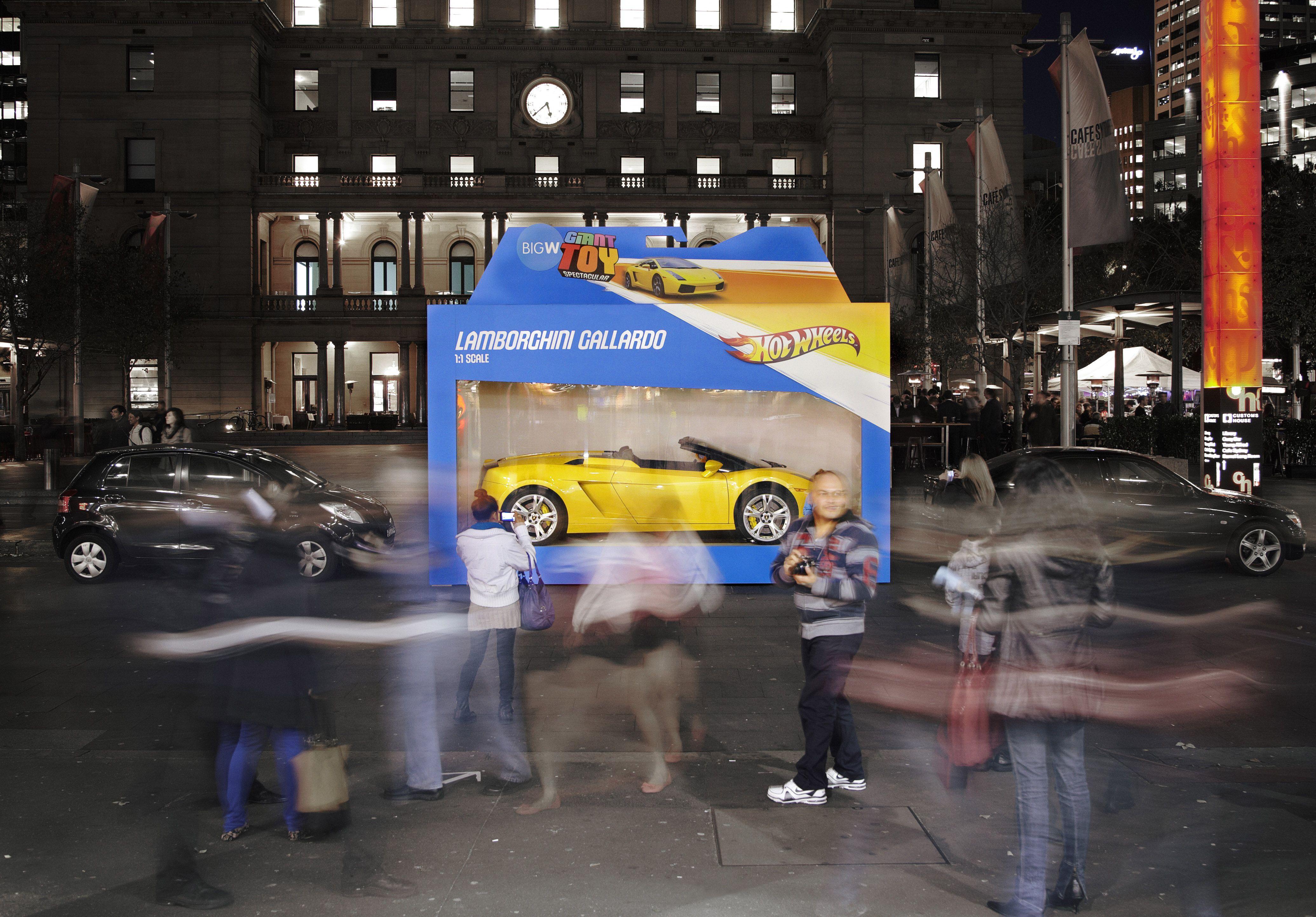 hot wheels box_r2 - Real Hot Wheels Cars