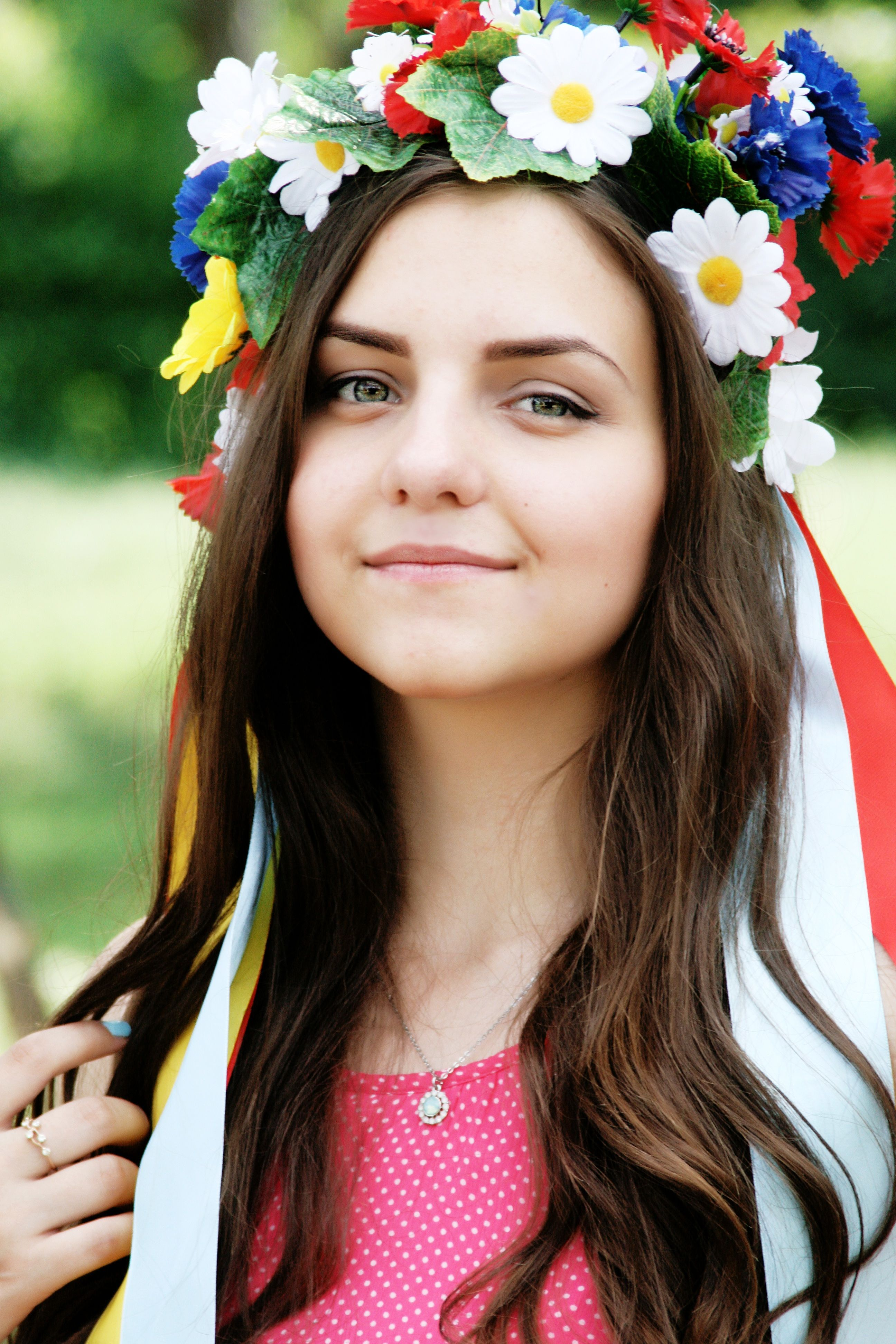 Girl, Flower, Crown, Beautiful, Young, Happy, Portrait -3712