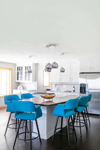 White Kitchen With Blue Accent Chairs The Blue Chairs Help To Break Up The Space And Create A Flow Form Room Country Kitchen White Kitchen Transitional House