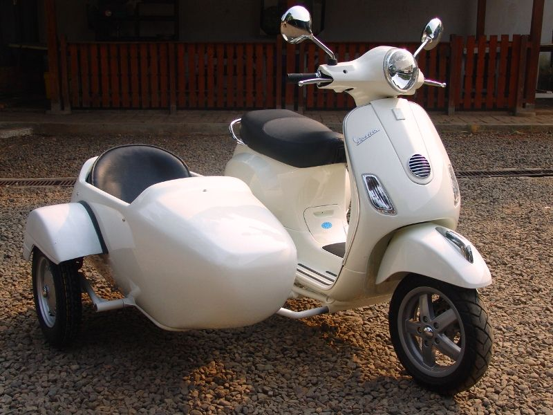 scooter with sidecar - Google Search | Reference | Vespa