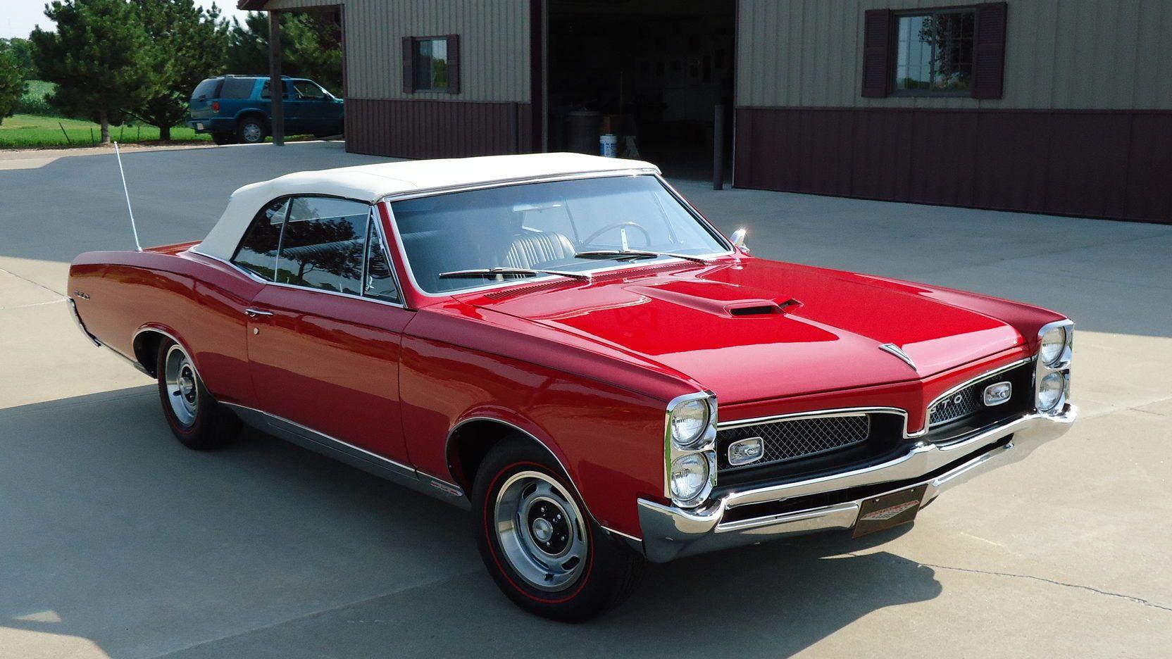 1967 Pontiac GTO Convertible presented as Lot F217 at Kansas City ...